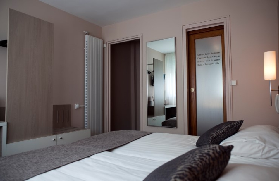 Contact hotel h tel bristol caen calvados for Contact hotel